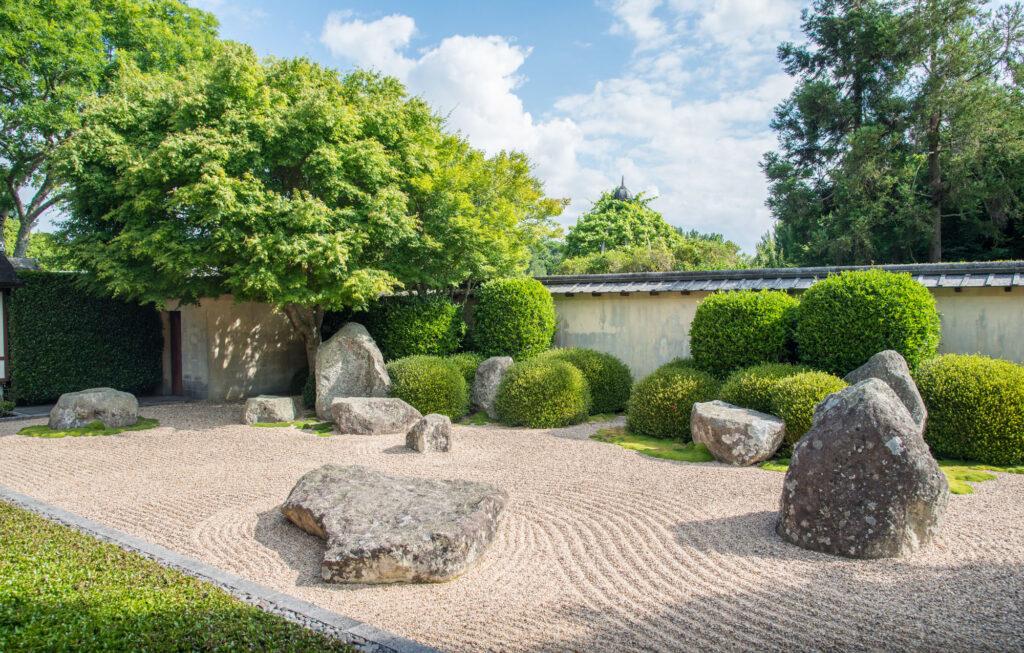 Der meditative Zen-Gärtner